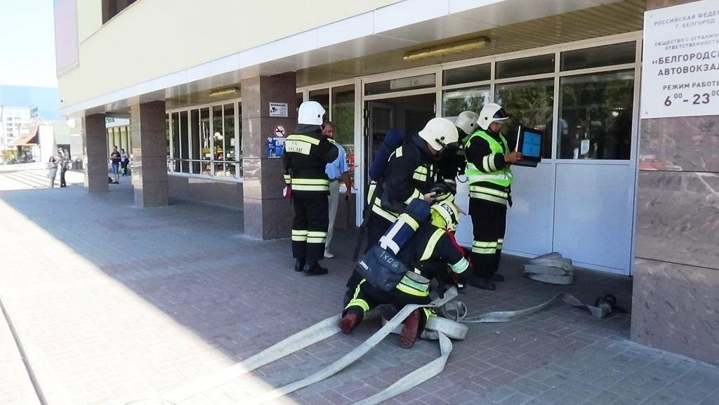 В Белгороде потушили пожар в камерах хранения автовокзала, фото-3
