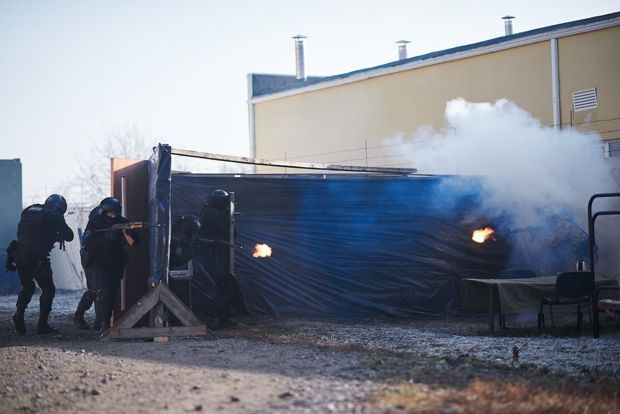 Испугавшую белгородцев стрельбу устроил ОМОН, фото-9