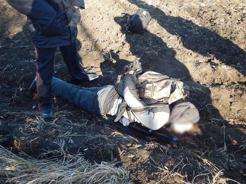 Двух братьев из Ровеньков подозревают в хранении оружия, боеприпасов и наркотиков, фото-1