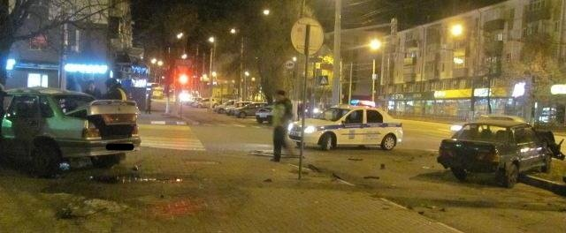 В Белгороде столкнулись два ВАЗа, фото-2