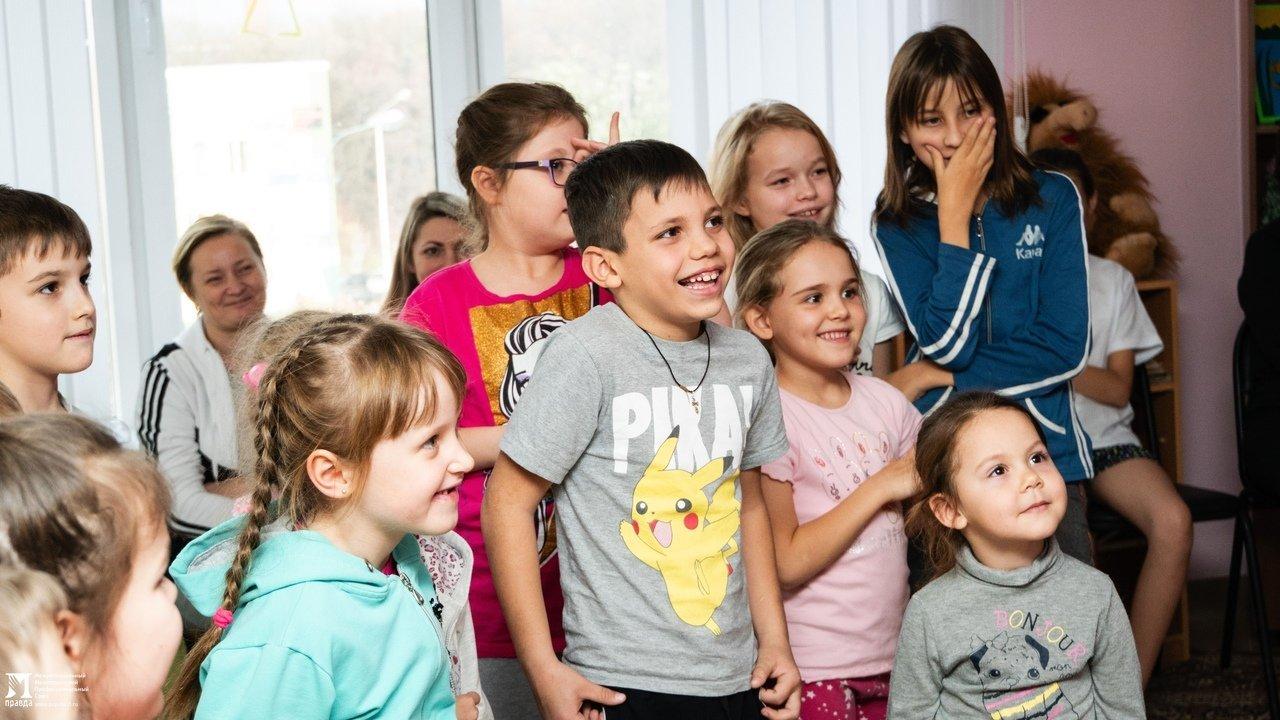 Пациенты детской областной больницы получили в подарок книги от профсоюза «Правда», фото-6