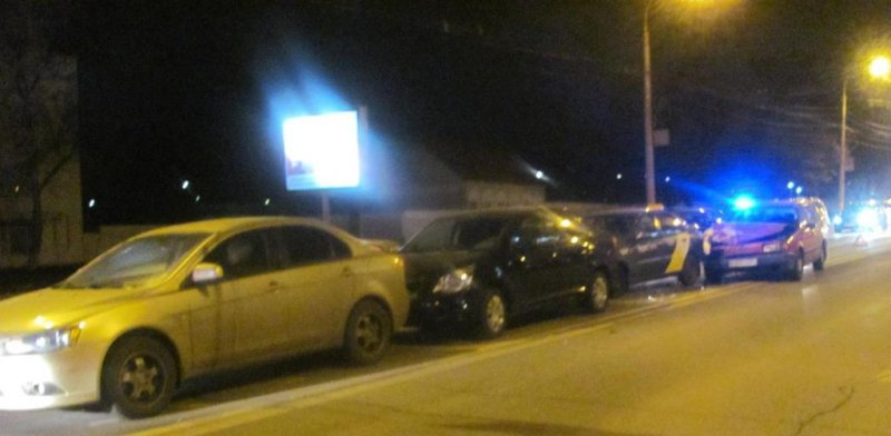 В Белгороде пьяный водитель спровоцировал массовое ДТП, фото-2
