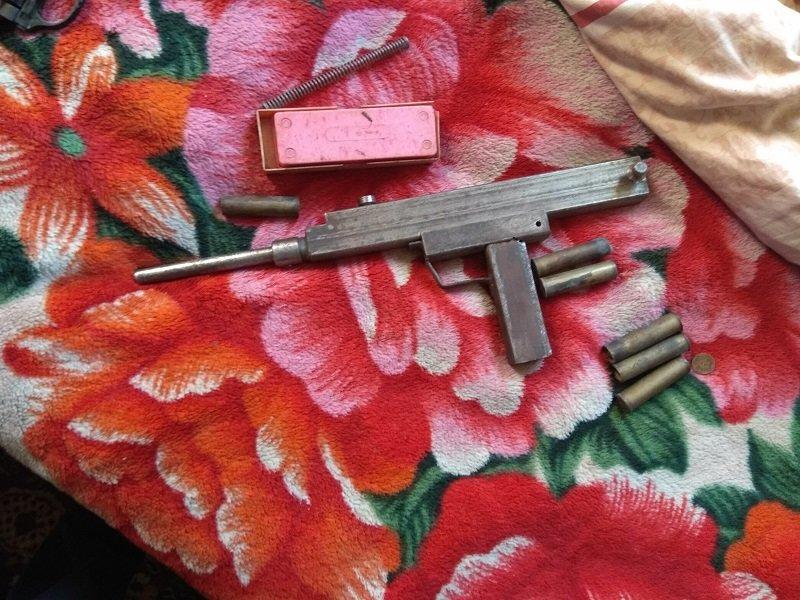 За коллекцию оружия и боеприпасов белгородцу грозит до пяти лет колонии, фото-1