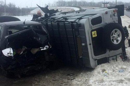 Под Белгородом внедорожник врезался в опору ЛЭП, фото-1