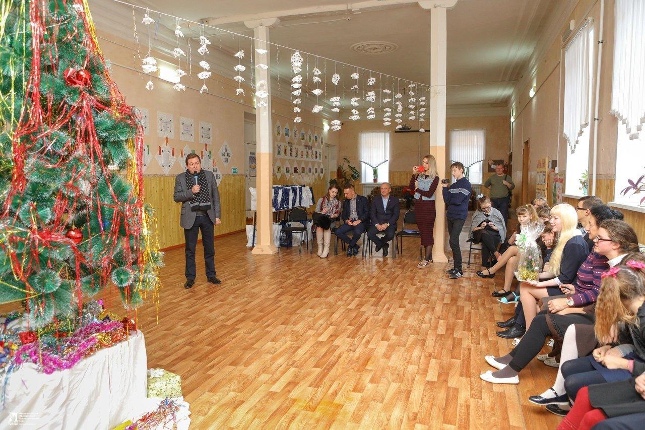 Олег Полухин и Сергей Фуглаев поздравили воспитанников валуйской школы для слабовидящих, фото-18