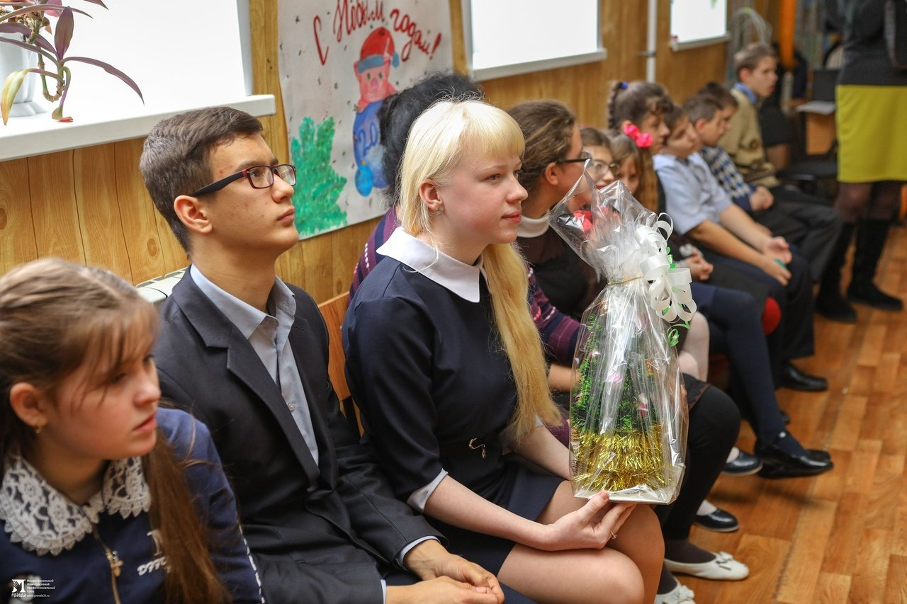 Олег Полухин и Сергей Фуглаев поздравили воспитанников валуйской школы для слабовидящих, фото-8