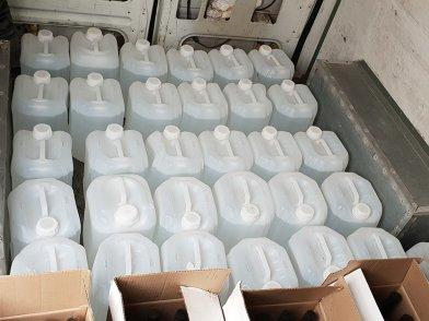 В Старом Осколе полиция накрыла склад контрафактного алкоголя, фото-2