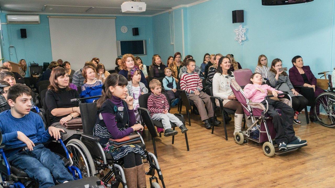 «Правдивцы» поздравили с Новым годом ребят из центров реабилитации для особенных детей, фото-13