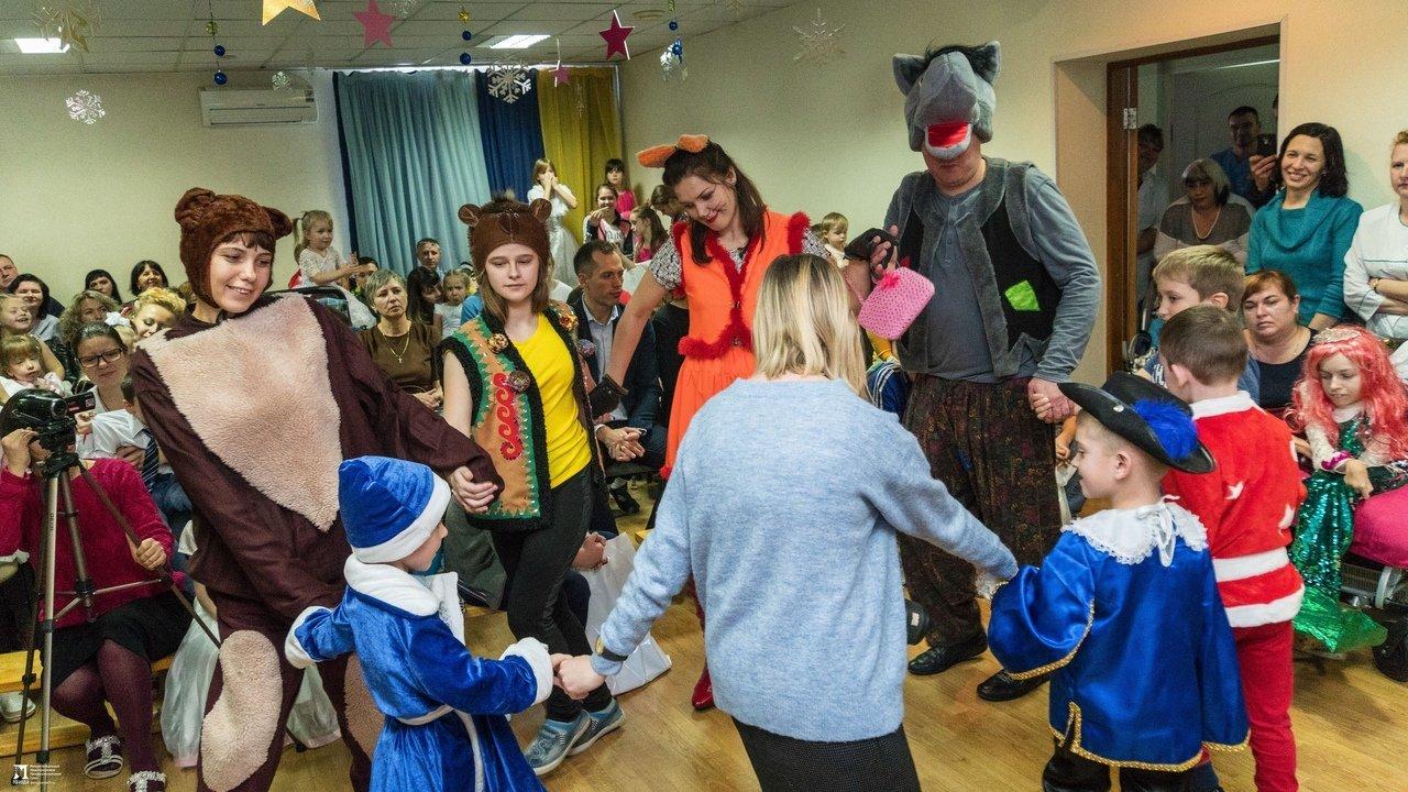 «Правдивцы» поздравили с Новым годом ребят из центров реабилитации для особенных детей, фото-18
