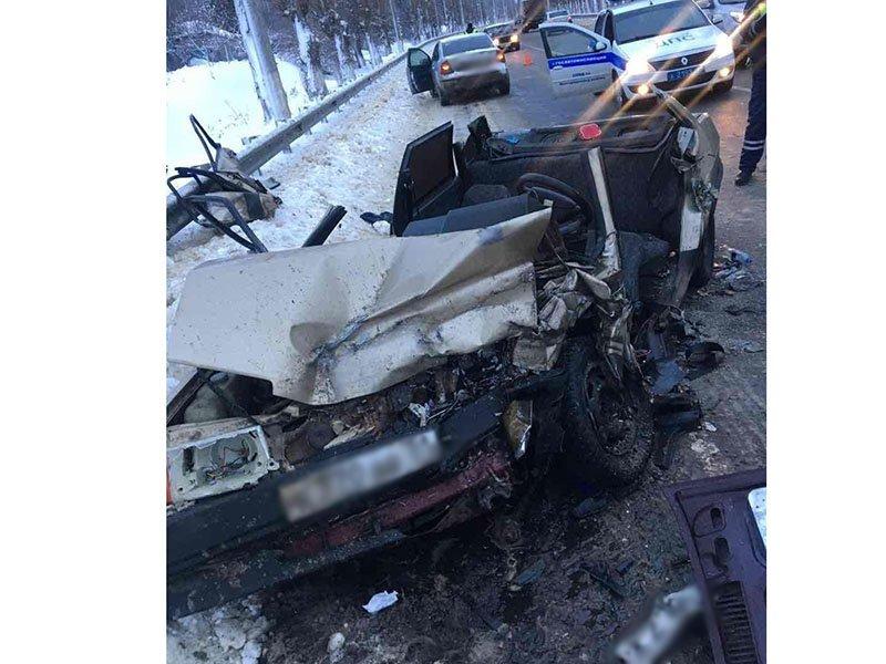Под Белгородом столкнулись два ВАЗа: есть погибший, фото-1