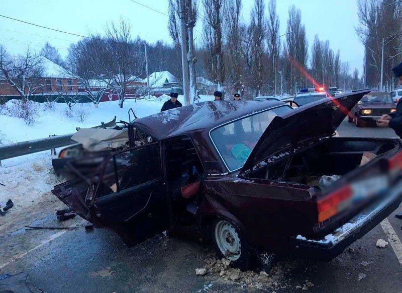 Под Белгородом столкнулись два ВАЗа: есть погибший, фото-2