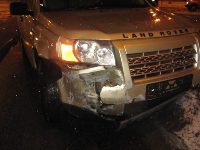 В Шебекине неопытный водитель спровоцировал ДТП с автобусом, фото-1