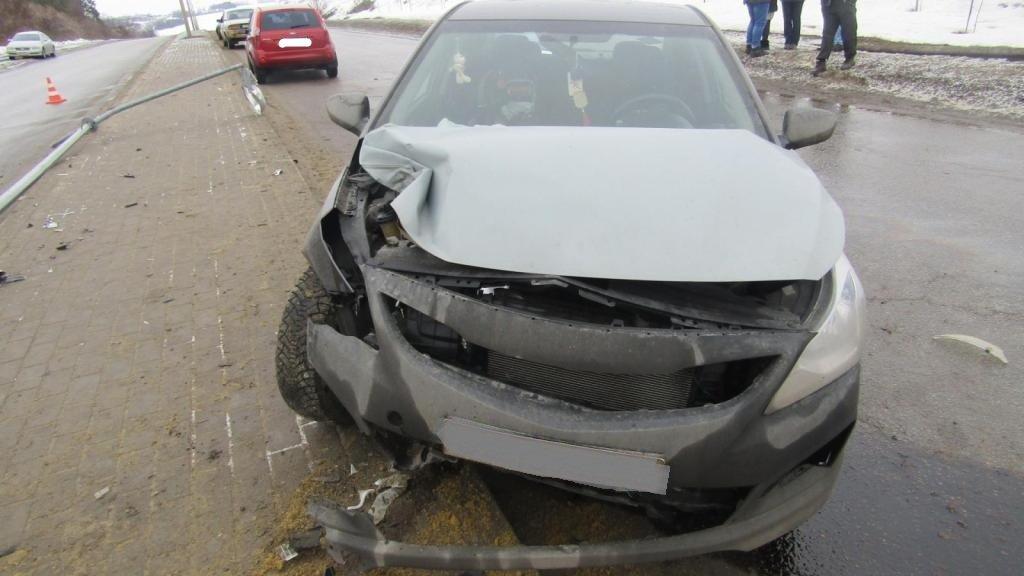 Под Белгородом лоб в лоб столкнулись ВАЗ и Mitsubishi, фото-2