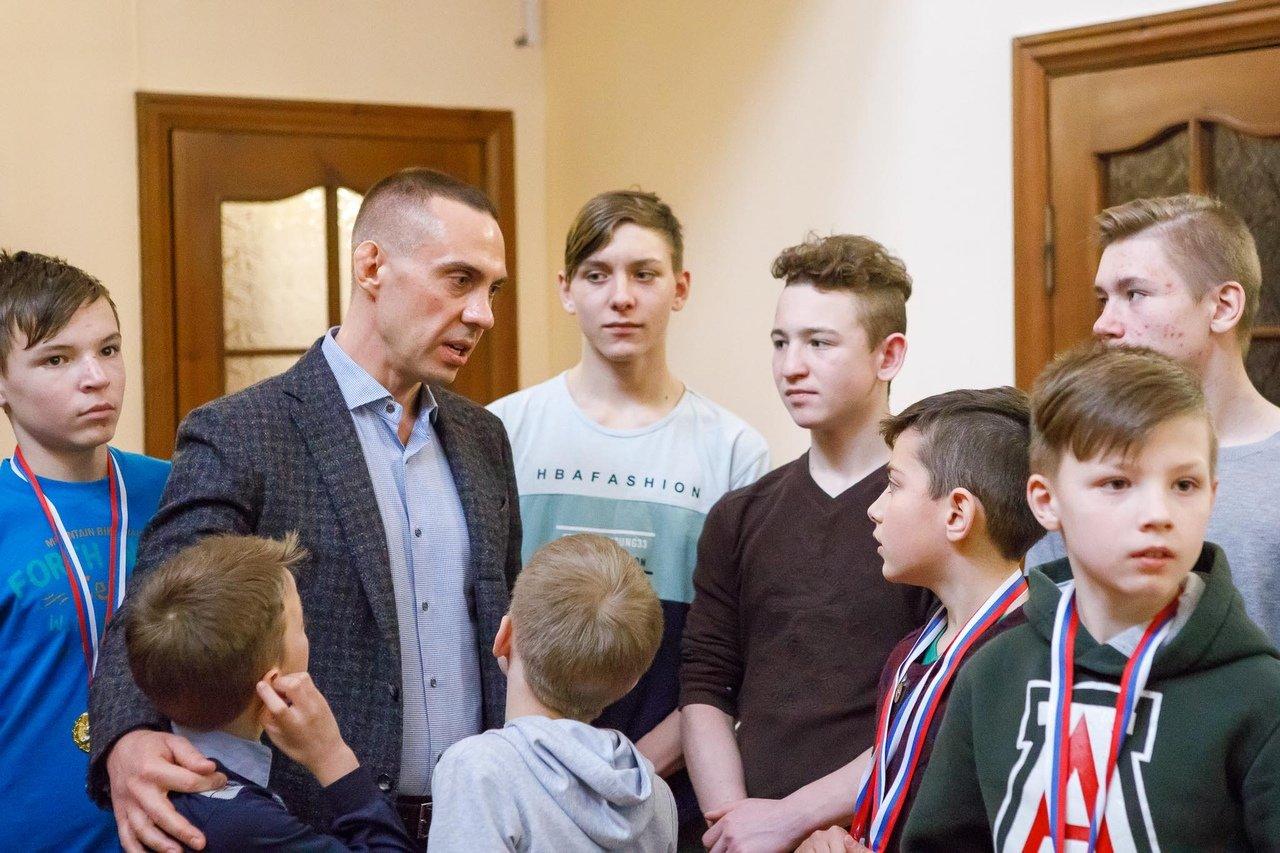 Команды профсоюза «Правда» и воспитанников Прохоровского центра развития и социализации ребёнка встретились на футбольном поле, фото-17