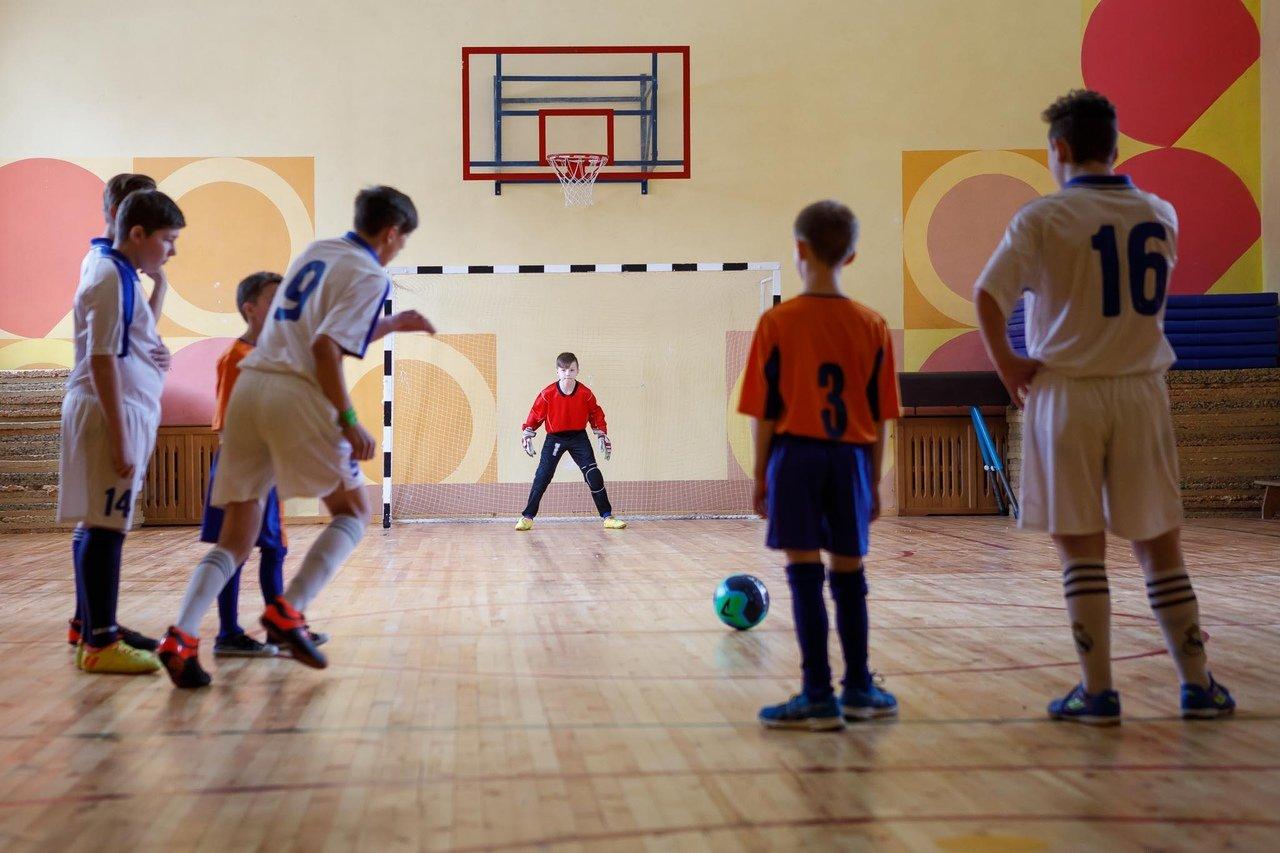 Команды профсоюза «Правда» и воспитанников Прохоровского центра развития и социализации ребёнка встретились на футбольном поле, фото-6