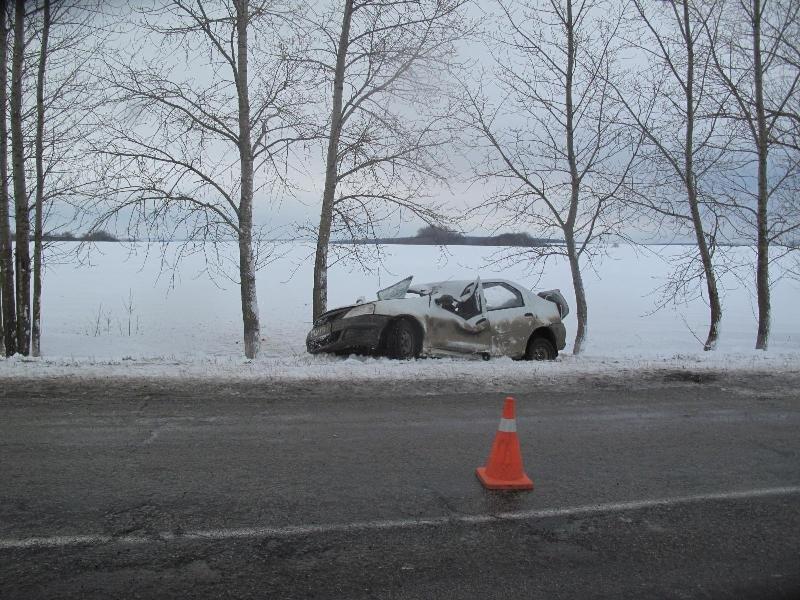 Под Прохоровкой в ДТП погиб водитель «Рено», фото-1