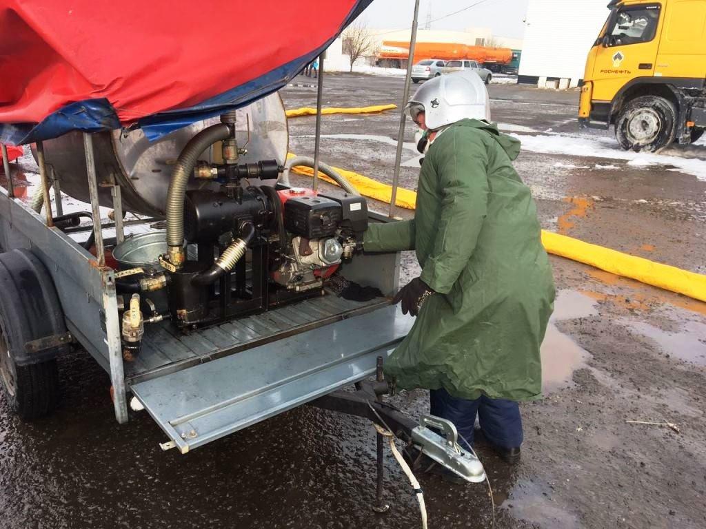 Под Белгородом топливо перевернувшегося бензовоза едва не попало в реку, фото-4