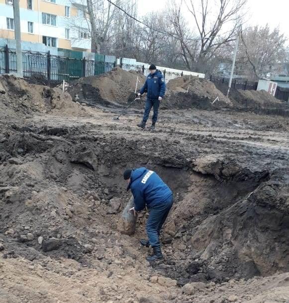 Под Белгородом нашли фугасную авиабомбу, фото-1