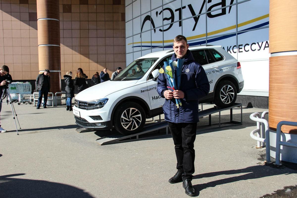 Накануне 8 марта белгородских автоледи поздравил автоцентр «Триумф», фото-4
