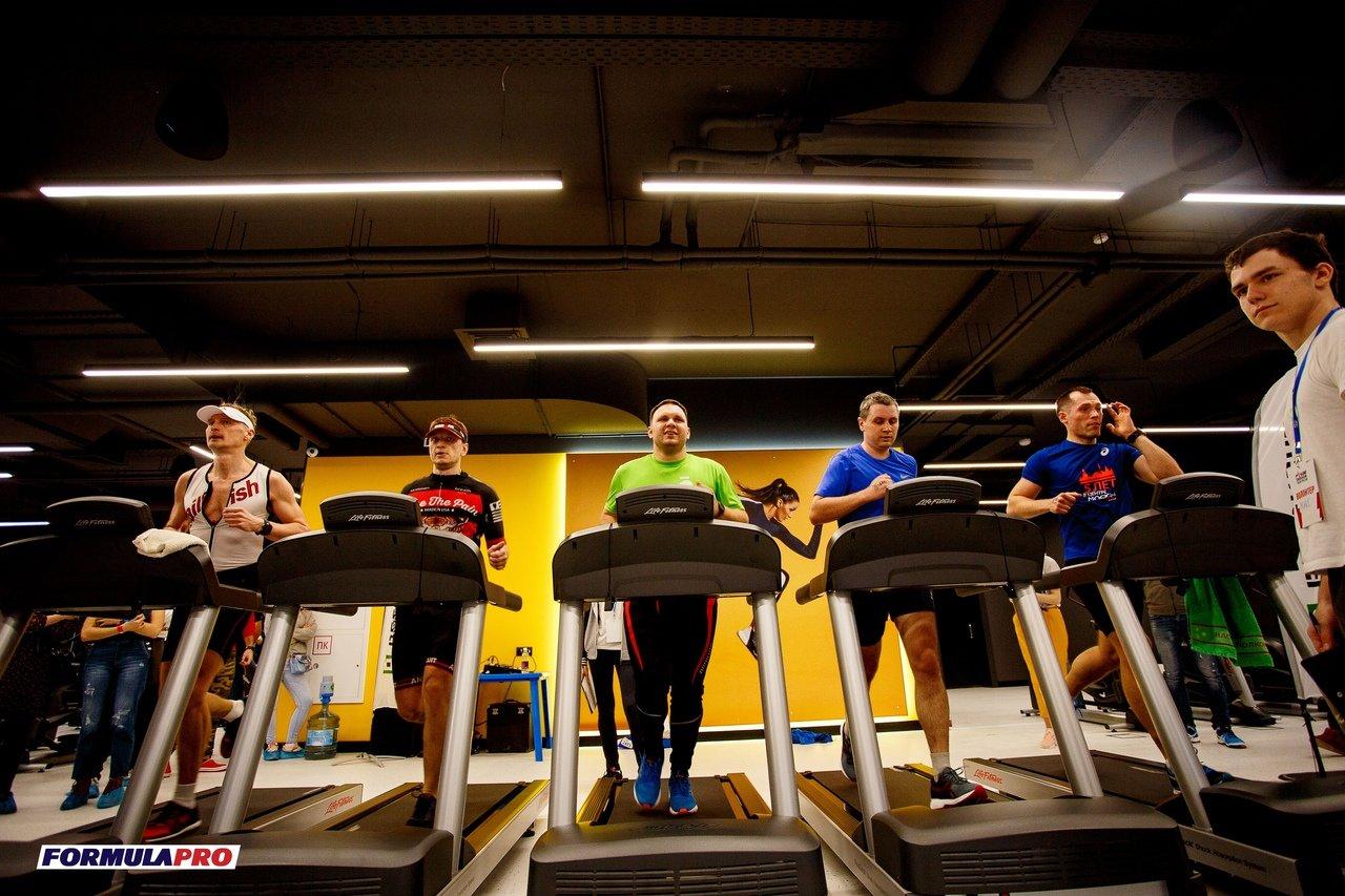 Триатлон в закрытом помещении впервые прошёл в Белгороде, фото-1