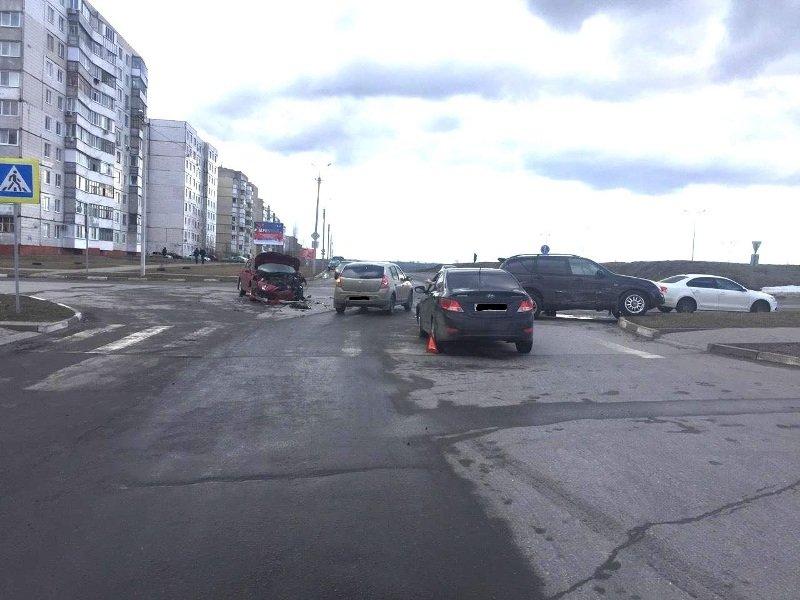 В Губкине пожилой водитель устроил ДТП с четырьмя машинами, фото-1