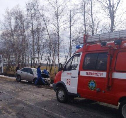 ДТП в Ивне: водителя вырезали из груды искорёженного металла, фото-1