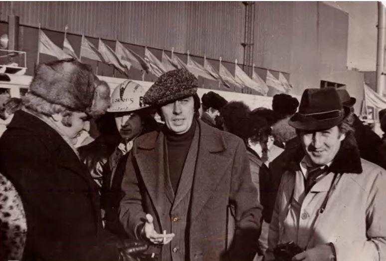 Фото с выставки об Анатолии Литвинове
