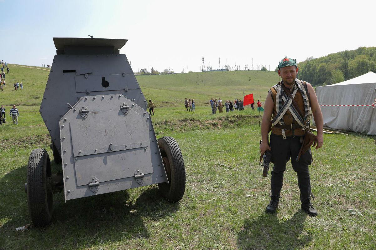 «Враги сожгли родную хату». Под Белгородом воссоздали сражение столетней давности, фото-1