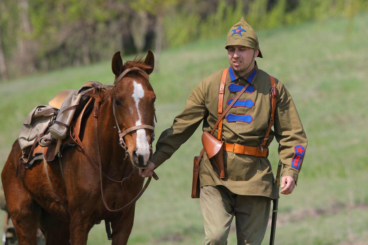 «Враги сожгли родную хату». Под Белгородом воссоздали сражение столетней давности, фото-7