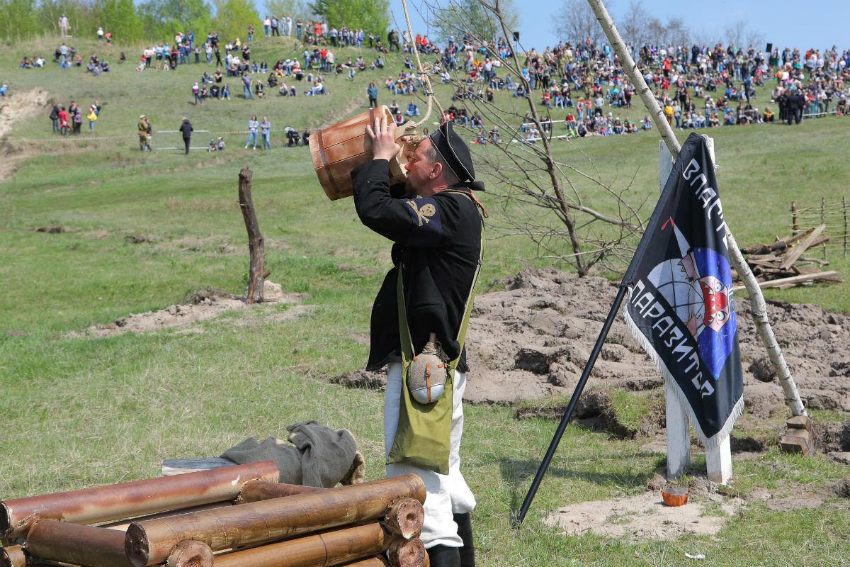 «Враги сожгли родную хату». Под Белгородом воссоздали сражение столетней давности, фото-12