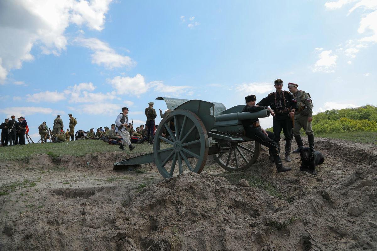 «Враги сожгли родную хату». Под Белгородом воссоздали сражение столетней давности, фото-18