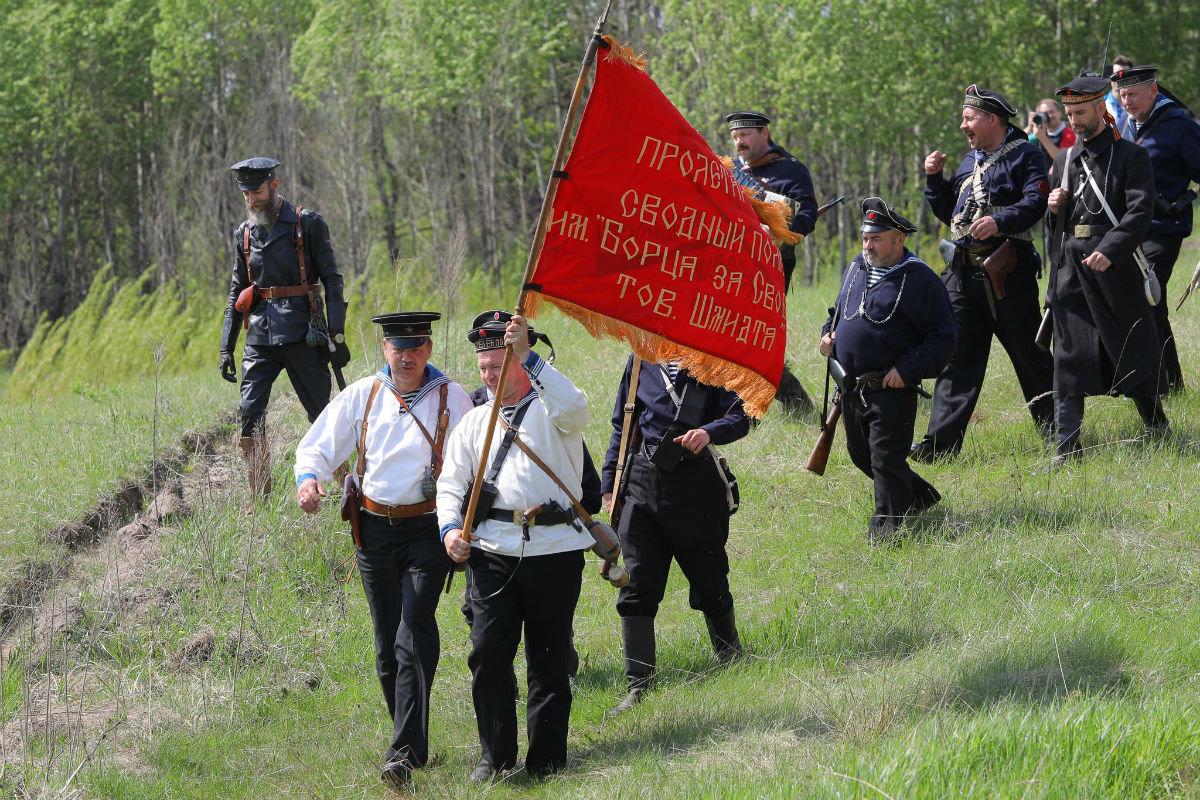 «Враги сожгли родную хату». Под Белгородом воссоздали сражение столетней давности, фото-24