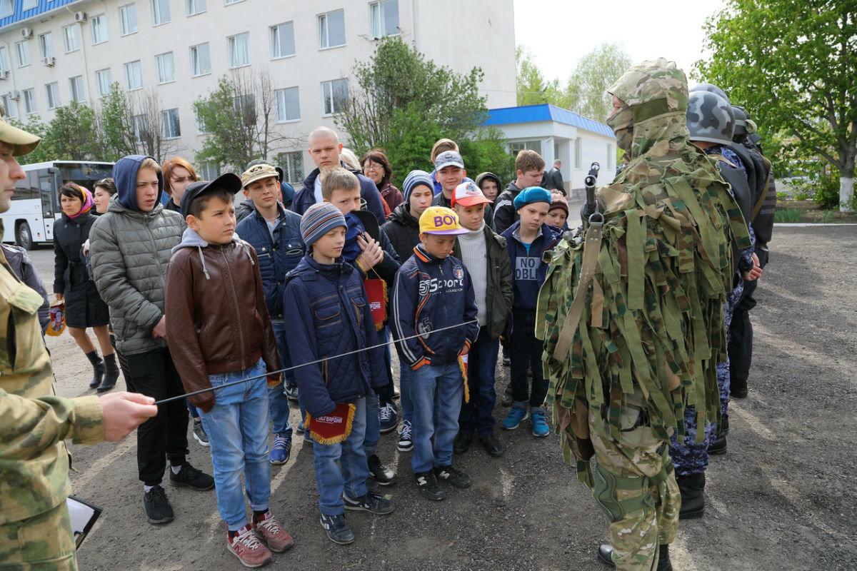 В дне открытых дверей Росгвардии приняли участие более 100 юных белгородцев, фото-2