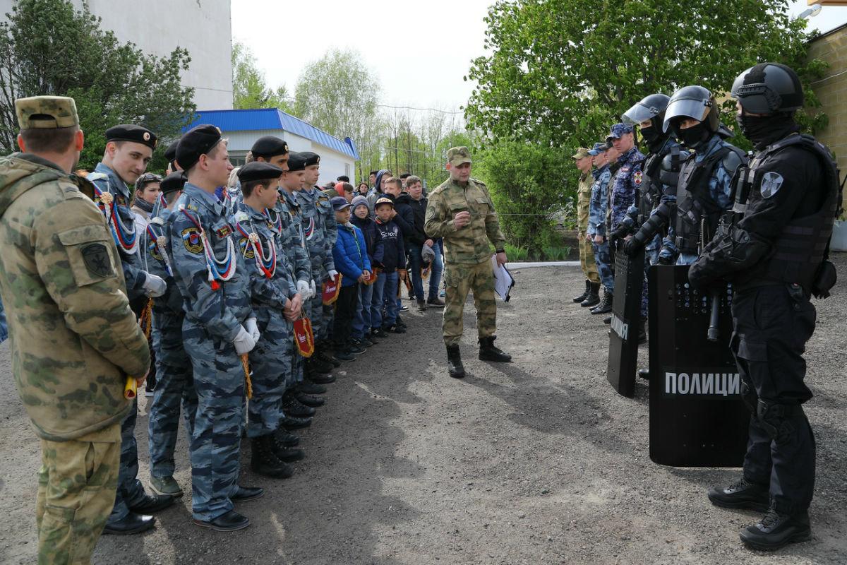 В дне открытых дверей Росгвардии приняли участие более 100 юных белгородцев, фото-4