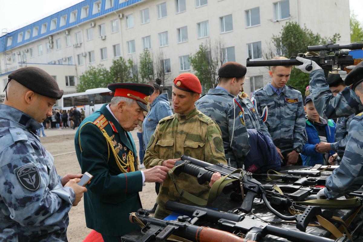В дне открытых дверей Росгвардии приняли участие более 100 юных белгородцев, фото-7