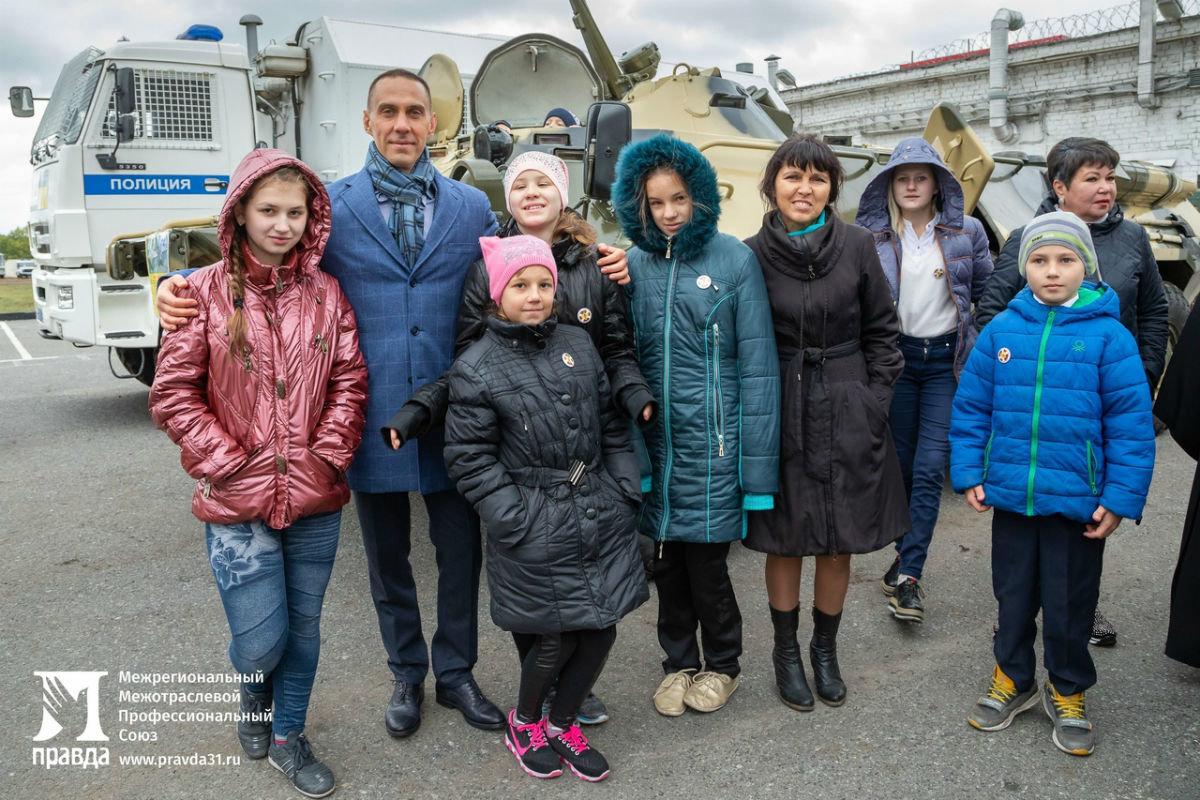 В дне открытых дверей Росгвардии приняли участие более 100 юных белгородцев, фото-14