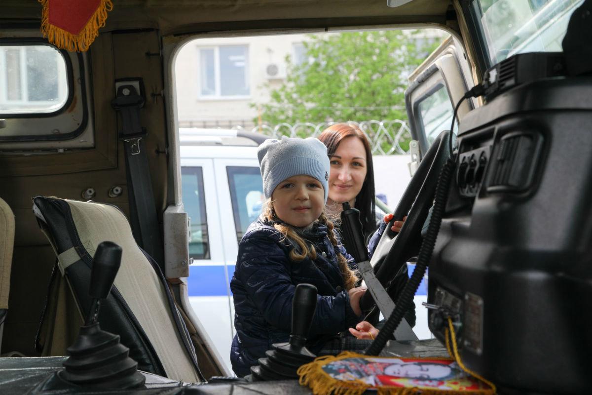 В дне открытых дверей Росгвардии приняли участие более 100 юных белгородцев, фото-18