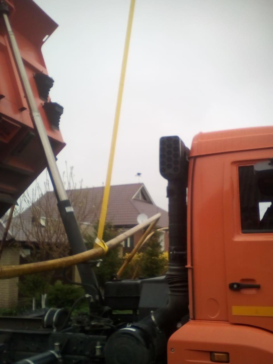 В Томаровке самосвал повредил газопровод, фото-1
