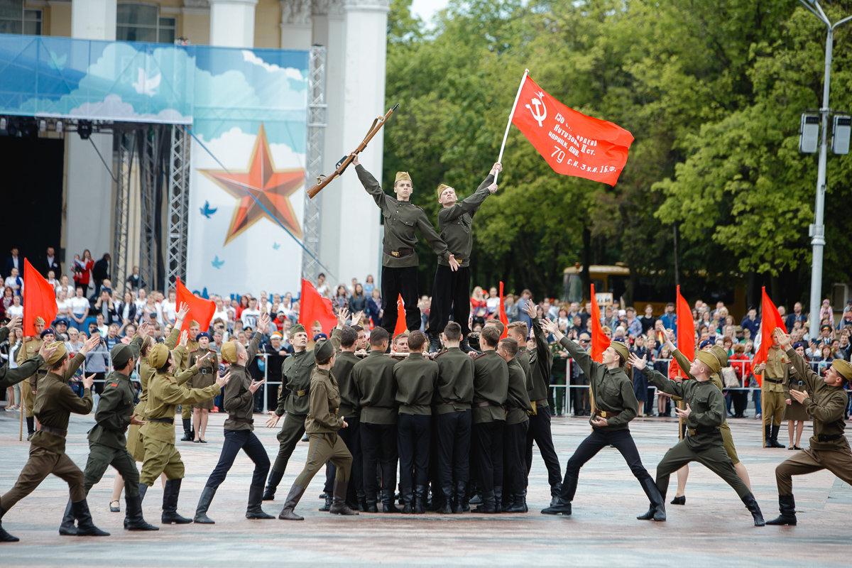 Десятки тысяч белгородцев поучаствовали в шествии «Бессмертного полка», фото-9, Фото: пресс-центр губернатора и правительства Белгородской области