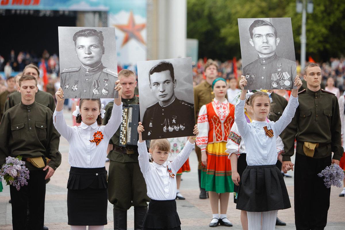 Десятки тысяч белгородцев поучаствовали в шествии «Бессмертного полка», фото-11, Фото: пресс-центр губернатора и правительства Белгородской области