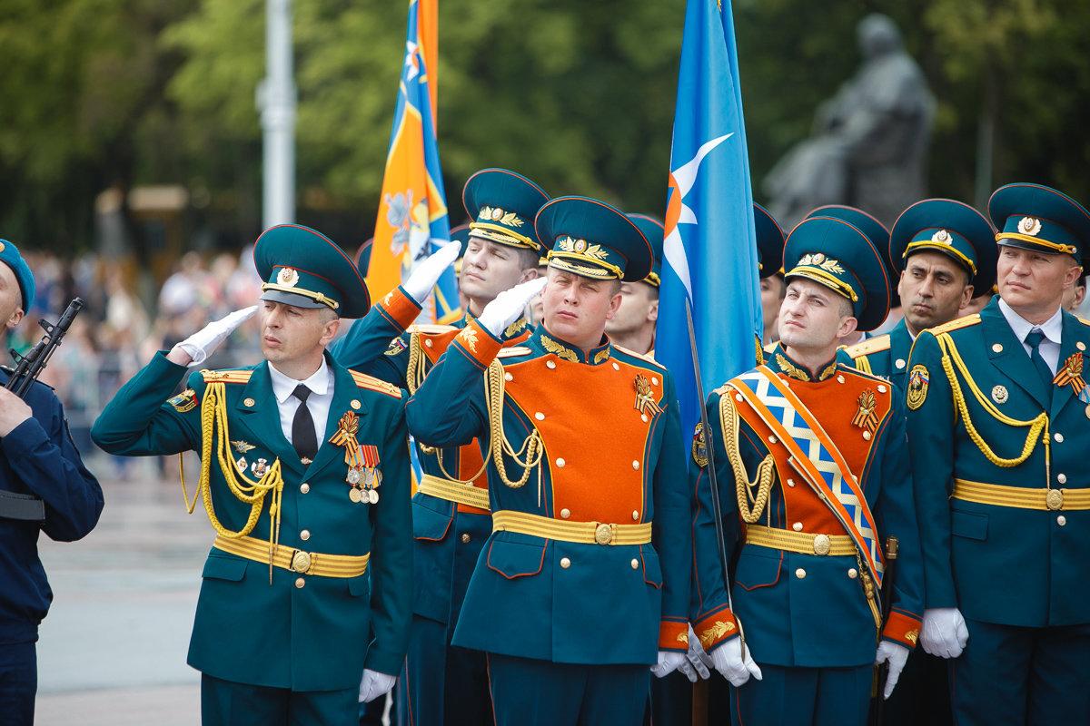 Десятки тысяч белгородцев поучаствовали в шествии «Бессмертного полка», фото-4, Фото: пресс-центр губернатора и правительства Белгородской области