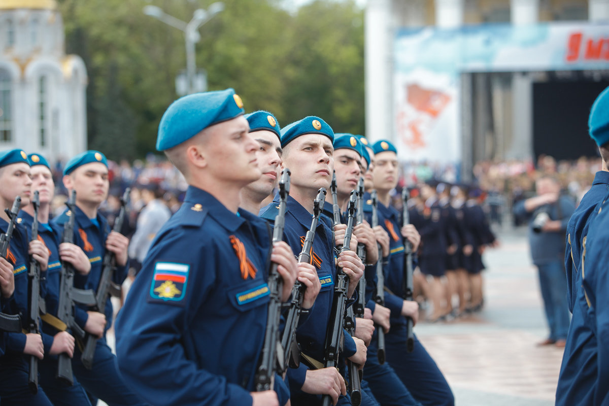 Десятки тысяч белгородцев поучаствовали в шествии «Бессмертного полка», фото-7, Фото: пресс-центр губернатора и правительства Белгородской области