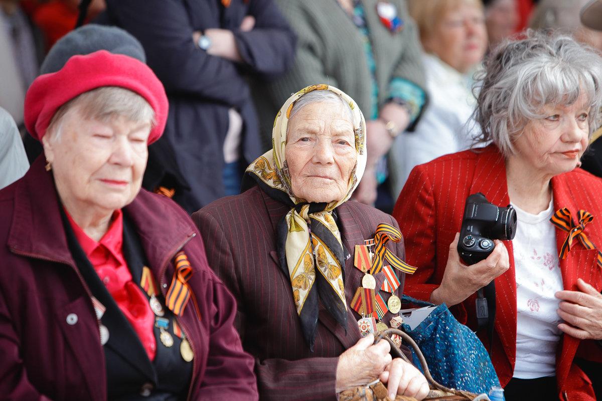 Десятки тысяч белгородцев поучаствовали в шествии «Бессмертного полка», фото-8, Фото: пресс-центр губернатора и правительства Белгородской области