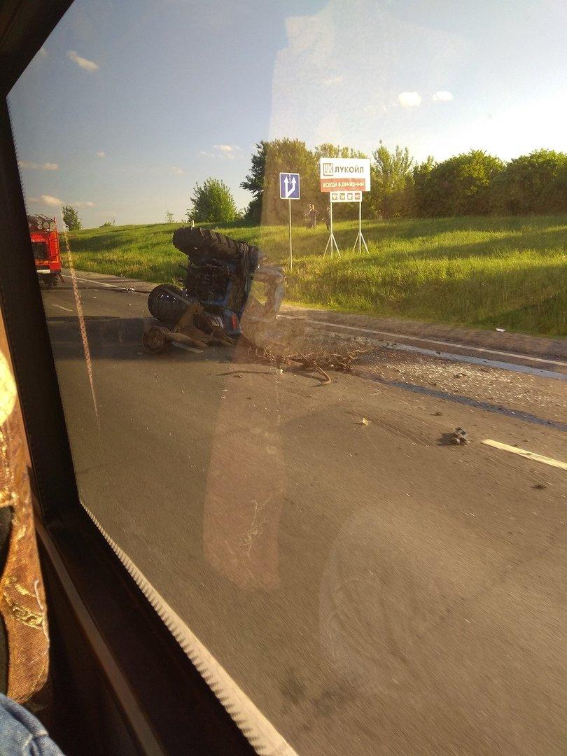 Под Белгородом МАЗ протаранил трактор , фото-2