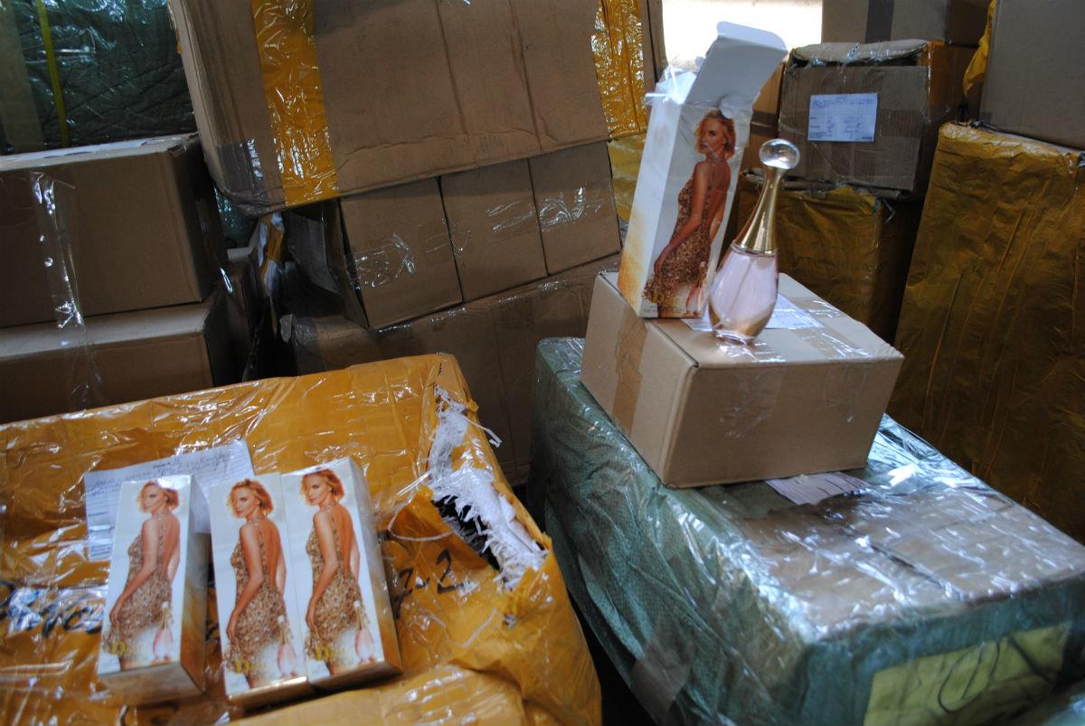 В 173 миллиона рублей «с копейками» оценили партию контрафакта, задержанную в Белгородской области, фото-6