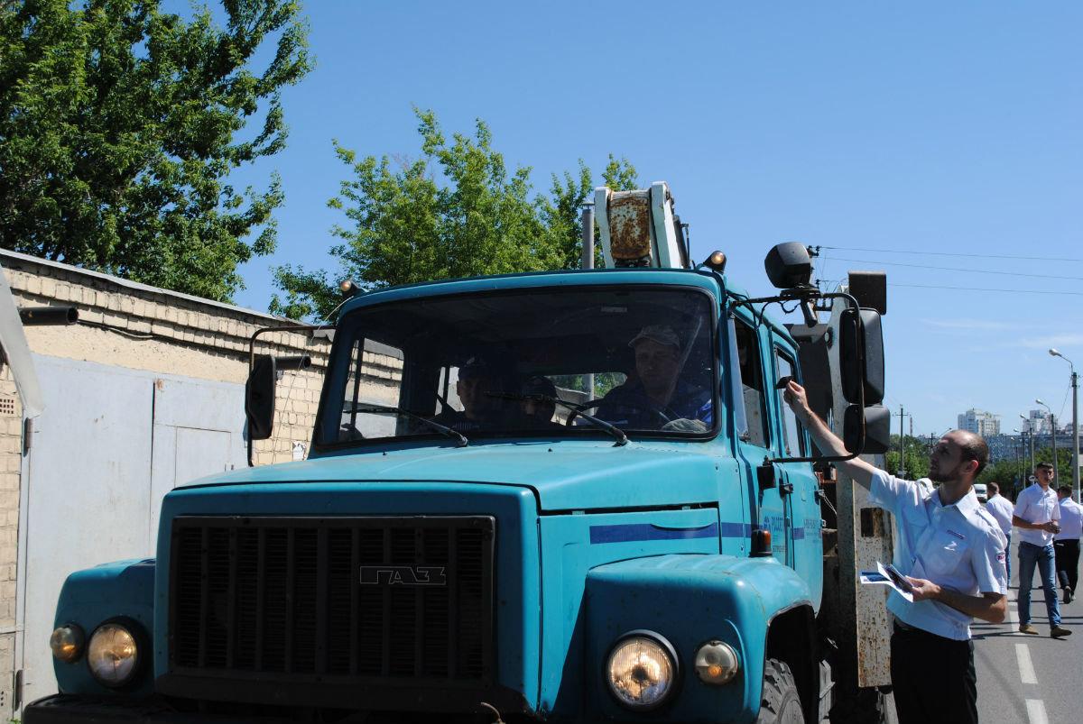 Машинисты вышли на дороги области с предупреждением к водителям, фото-4