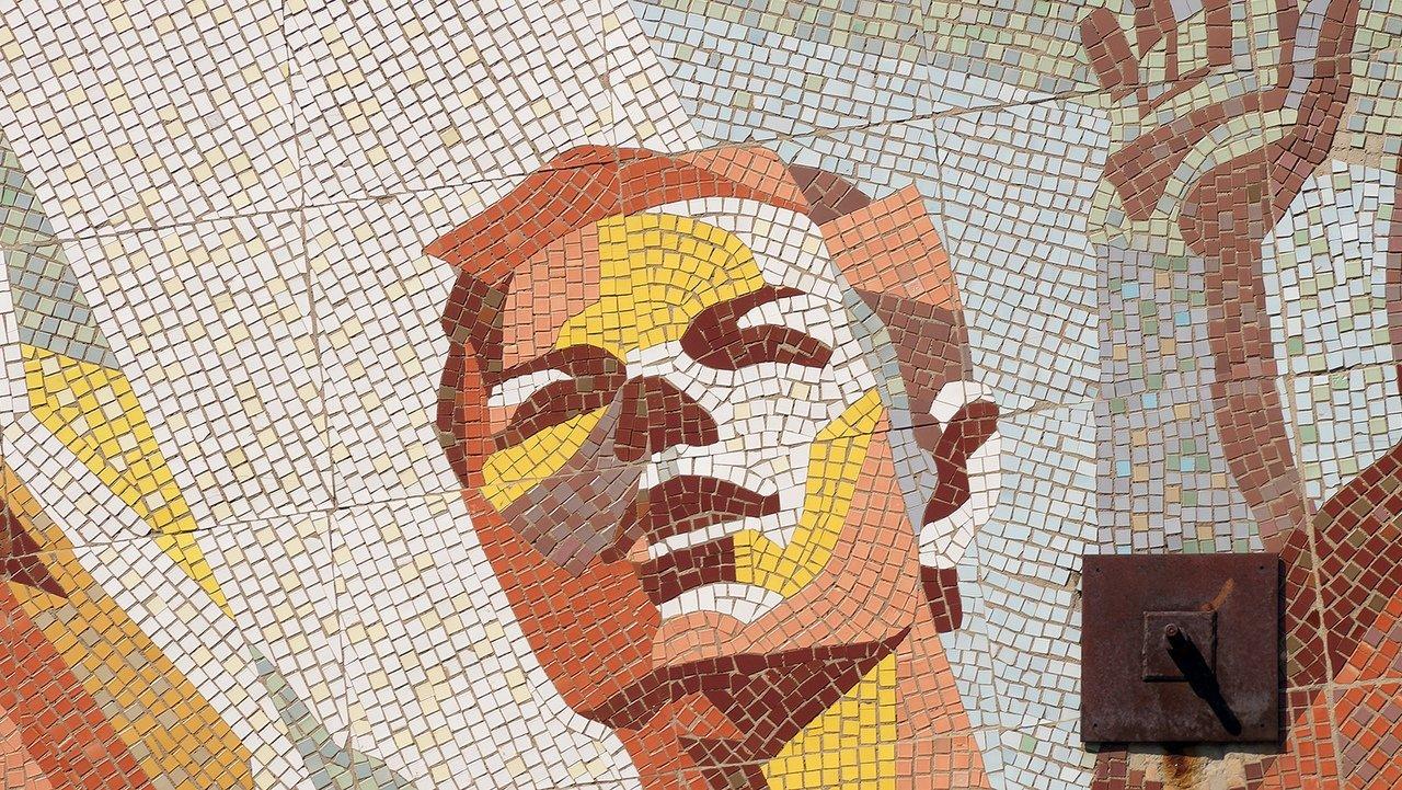 «Это образец советского монументального искусства». Мозаику на стене разрушенной белгородской спортшколы пытаются сохранить, фото-2