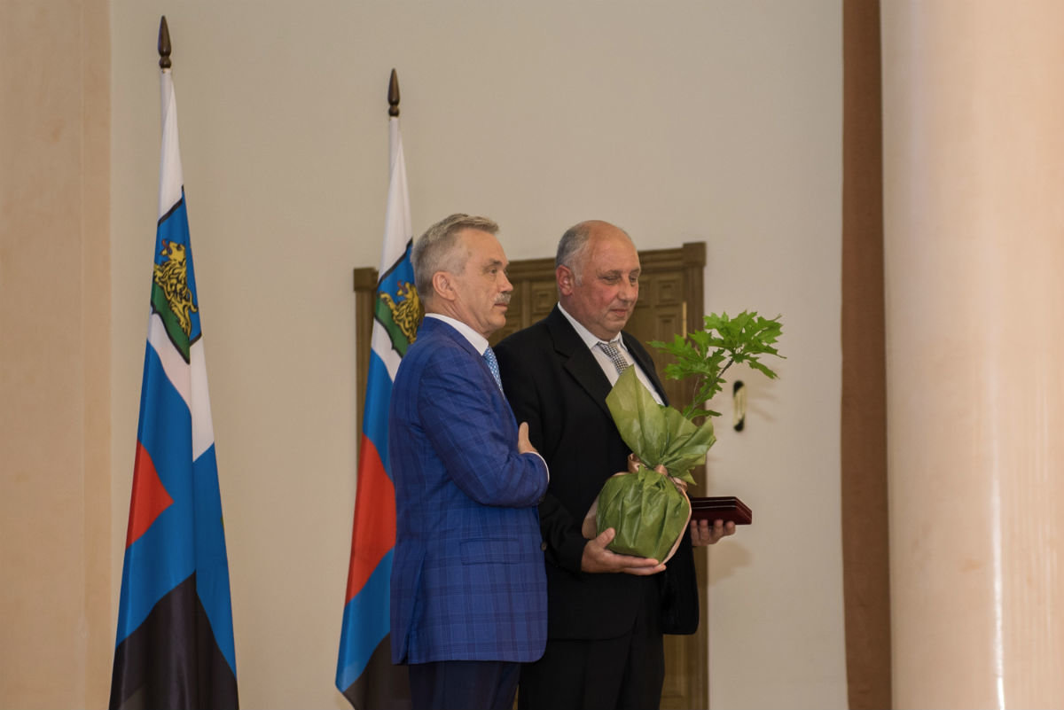 Губернатор Белгородской области вручил белгородскому энергетику государственную награду, фото-3
