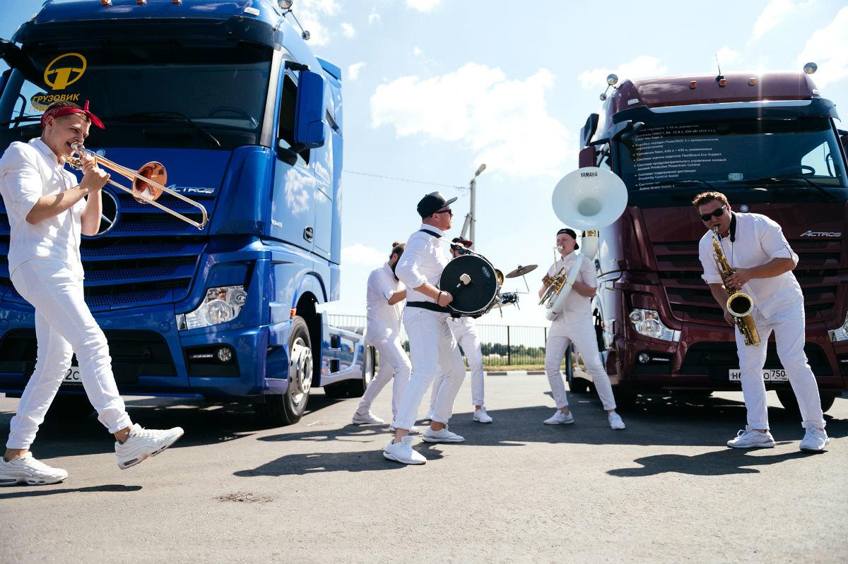 В Белгороде открылся дилерский центр по продаже и сервису грузовиков Mercedes-Benz, фото-2