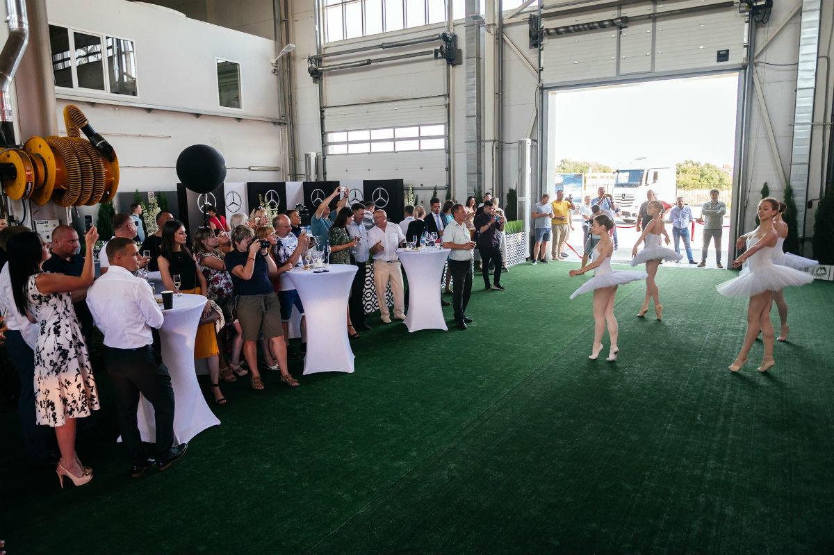 В Белгороде открылся дилерский центр по продаже и сервису грузовиков Mercedes-Benz, фото-10
